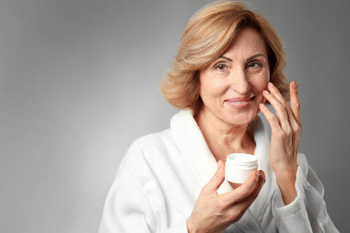 O czym powinien pamiętać opiekun seniora w trakcie procesów pielęgnacyjnych